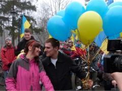 На харьковском Евромайдане бушуют любовные страсти (ФОТО)