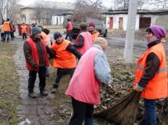 В Донбассе работники профильных структур зачищают город