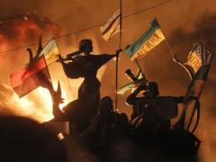 Майдан в огне: столкновения продолжались всю ночь (ФОТО)