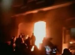 В Тернополе захватили ОГА и подожгли отдел милиции (ВИДЕО)