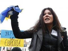 Пламенная Руслана обвиняет оппозицию в сговоре