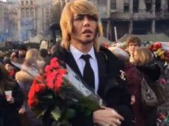 Сергей Зверев явился на Майдан и попал под жёсткую критику украинки (ВИДЕО)