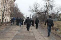В Артёмовске парни в спортивных костюмах избили журналистов