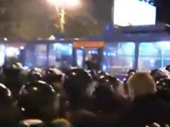 """Обновляется: донецкие """"губаревцы"""" напали на автозак и освободили заключённых (ВИДЕО)"""