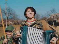 Женский батальон с песнями и плясками грудью встаёт на защиту Украины (ВИДЕО)