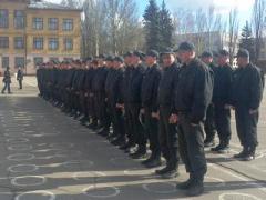 В Донецк привезли 146 безоружных солдат и офицеров из Крыма (ФОТО)