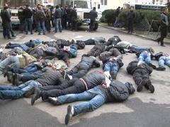 За 15 минут антитеррористической операции в Харькове задержали 64 человека (ФОТО + ВИДЕО)