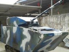 Недетский подарок: отец собрал для сына танк (ВИДЕО)