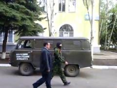 В Донбассе снова захвачен горотдел и пленён начальник милиции (ВИДЕО)