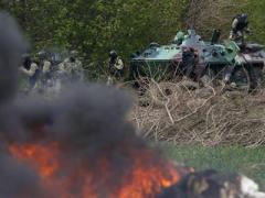 СМИ: Из-за высокого риска нападения России в Славянске приостановлена антитеррористическая операция (ВИДЕО)