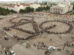 В Чернигове соорудили рекордно-гигантский велосипед