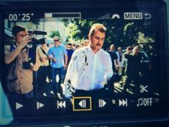 Экс-главу Киевской госадминистрации облили йодом и забросали деньгами (ФОТО + ВИДЕО)