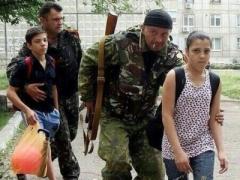 Генконсул России пообещал, что похищенных детей из Снежного сегодня вернут в Украину