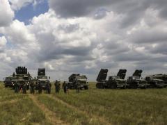 СНБО: На границе с Украиной российские войска обустраивают огневые точки и маскируют технику