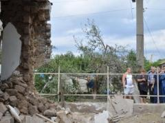 Разрушенной Сартане помогут всем миром: Красный Крест - стройматериалами, а Метинвест - ремонтом и восстановлением домов