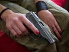 Украинцы поддерживают требование о праве граждан на ношение оружия