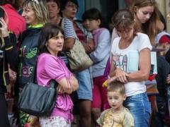 В Украине продолжает расти число внутренних переселенцев