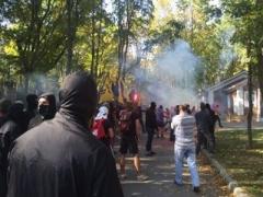 """Добкин о нападении на его дом:""""У нас хозяйничает банда"""" (ВИДЕО)"""