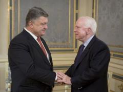 """Порошенко рассказал сенаторам США, чем обернутся для Кремля """"фантазии боевиков"""""""
