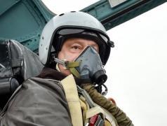Порошенко объяснил свой полет на Су-27