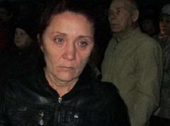 В России мать погибшего на Донбассе  боевика убили под мемориальной доской сыну