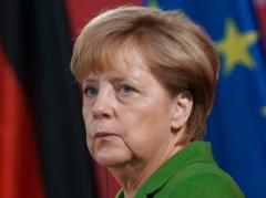 «Давайте ответим террористам». Ангела Меркель о трагедии в Париже