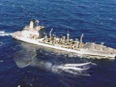 Появилось видео, как рыбаки борются с гигантским кальмаром (ВИДЕО)