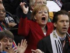 Фрау Меркель сегодня осталась без футбола