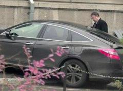 Активисты сравнили мизерную зарплату Геращенко и его  шикарный автомобиль