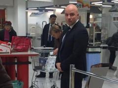 Ангела Меркель  сама ходит за покупками - застукали в супермаркете