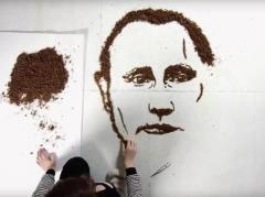Литовская художница скормила портрет Путина курам (ВИДЕО)