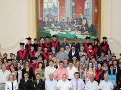 """В """"ДНР"""" хвастают, что """"республиканские""""  дипломы в 2015 году получили более 30 тысяч выпускников"""