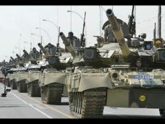 Кремль направил танки к украинской границе (ВИДЕО)