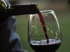 Бокал красного вина приравнивается к 1 часу занятий спортом - ученые