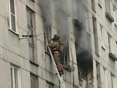В  Донецкой области в многоэтажке взорвался газ, под завалами оказались женщина и дети