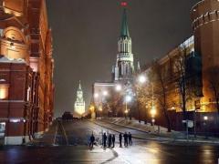 В Москве всех выгнали с Красной площади. Из Кремля выехала реанимация