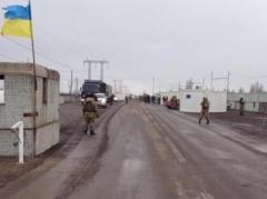 Ужасы «Новотроицкого»: перед блокпостом ночевали около 800 автомобилей