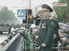 """Главарь """"ДНР"""" Захарченко вообразил себя великим полководцем и решил принять парад 23 февраля верхом на мерине"""