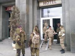 В Киеве начались погромы и захваты