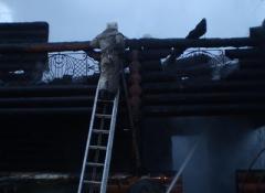 В Донецкой области сгорел двухэтажный дом