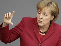 Меркель против отмены антироссийских санкций и просит немецкий бизнес  потерпеть