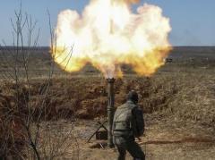 По позициям украинских военных в Чермалыке боевики выпустили 10 мин