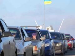"""Госпогранслужба отметила огромные очереди на КПВВ """"Марьинка"""""""