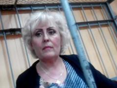 """Экс-мэр Славянска Неля Штепа в суде требовала допросить Порошенко и пела """"Чорнобривці"""""""