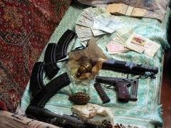 В Славянске обнаружили квартиру с арсеналом оружия (ФОТО)