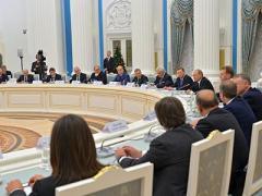 Путин посоветовал российским бизнесменам повременить с уходом из Украины