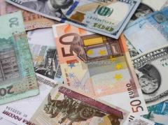 Курс НБУ на 28 марта: доллар, евро и российский рубль стали дешевле