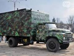 Волонтеры сделали для украинских бойцов сауну на колесах