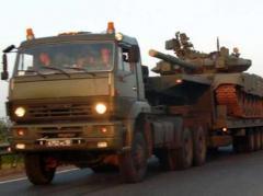 На оккупированный Донбасс прибыло два эшелона с техникой и топливом, а в Луганск Россия перебросила 15 танков