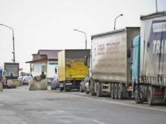 В Крым не пропускают машины с крымскими украинскими номерами